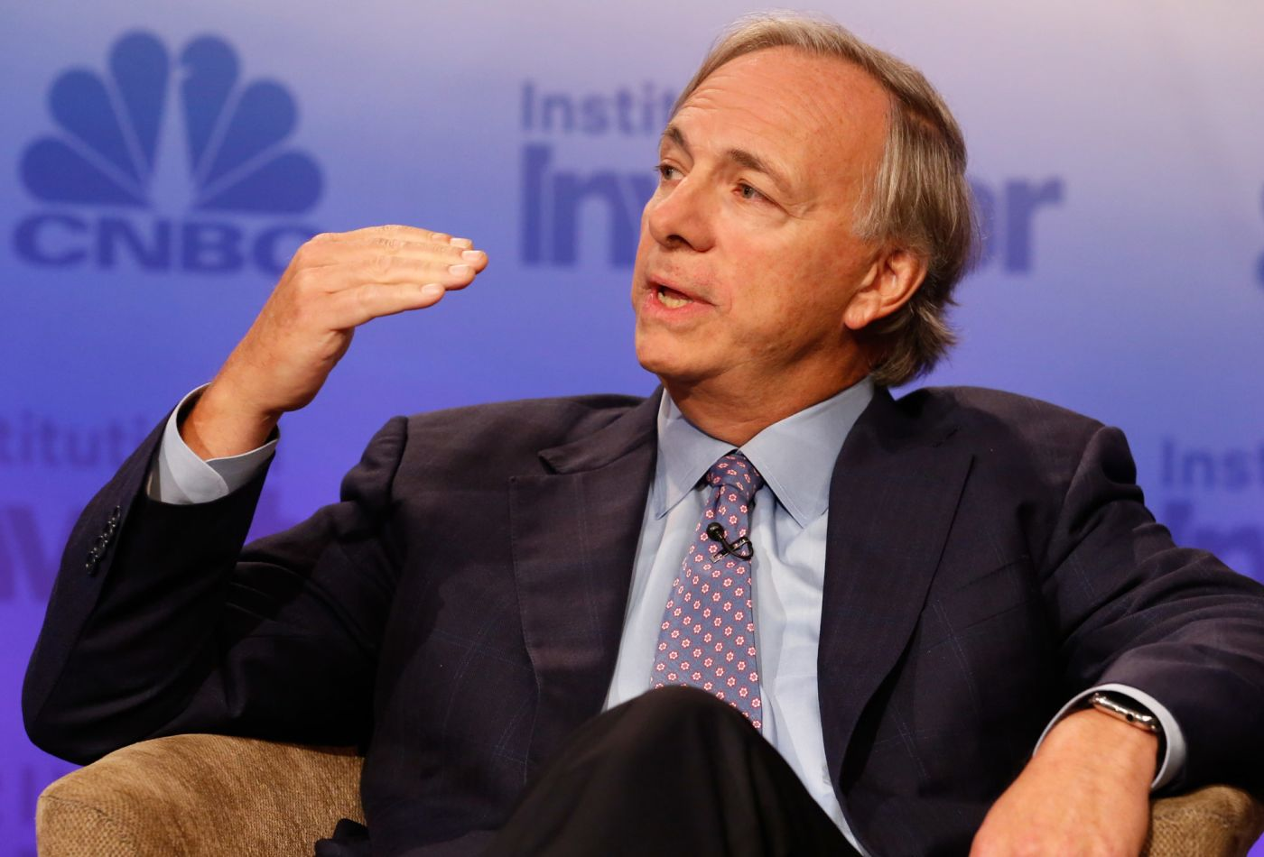 https://www.zerohedge.com/news/2019-08-16/founder-worlds-largest-hedge-fund-sees-40-recession-2020-election